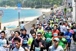 新緑の市街地快走 美浜と鯖江でマラソン開催