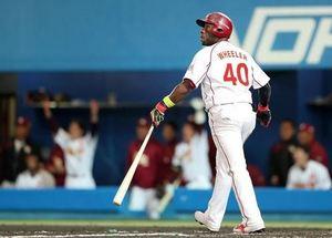 楽天 ウィーラー、値千金の3点本塁打
