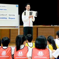 JOC 宮下純一さんら元五輪選手、三郷で出前授業