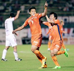 J2・愛媛FC豪快2発ホーム沸く、岡山に2―0