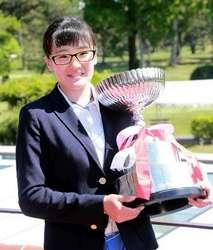 ゴルフ 中国女子アマ 14歳の桑木が初優勝