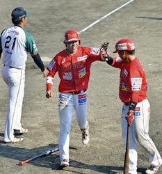 福島9回逆転勝利、一挙8点打線爆発 野球BCリーグ