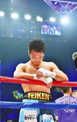 村田、判定に泣く ボクシングWBA・ミドル級