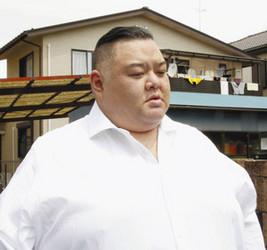 大相撲 稀勢の里休場 師匠、けがの悪化を否定