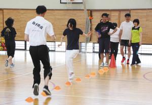 サッカー本田圭佑流、体育の授業 金沢大付属小が導入