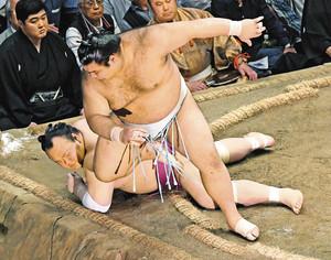 大相撲 高安、大関昇進目安の3場所33勝 夏場所12日目