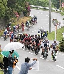 自転車 3万3千人が後押し ツアー・オブ・ジャパン南信州ステージ