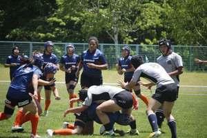 ラグビー女子日本代表、山梨県内高生が対戦
