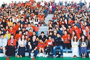 ブースター850人と交流 バスケ富山、小杉で感謝祭