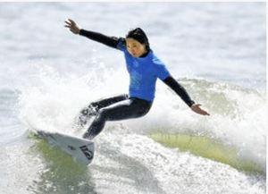 16歳川合、五輪会場の波制す 一宮でサーフィン国際大会