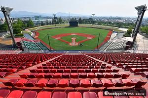 野球 弘前市の「はるか夢球場」が完成