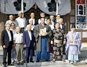 大相撲 甲府市出身の十両、竜電が山縣神社で必勝祈願