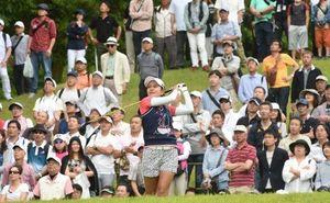 ゴルフ サントリー女子 宮里藍見たさに2倍の観客