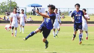 サッカー 元日本代表とふれあう 魚津でサッカー教室や親善試合