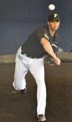 日本ハム 大谷、ブルペン練習 「150キロ出てた」と捕手