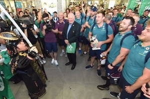 ラグビー アイルランド、浜松に到着 エコパで代表戦