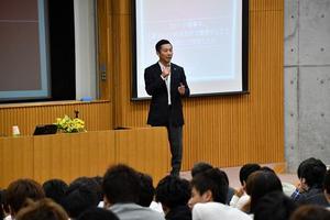 バスケBリーグ 島田代表、千葉商科大で特別授業