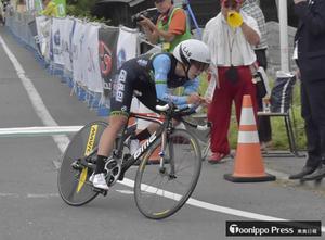 階上で自転車全日本ロード開幕