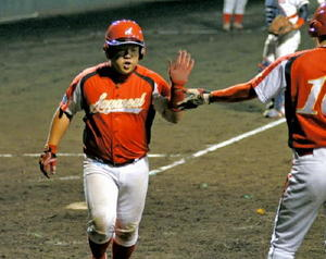 佐賀シール工業、県大会へ 佐賀県アマチュア野球