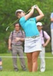 本多2位浮上 ユピテル・静岡新聞SBS女子ゴルフ