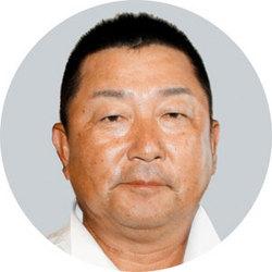 愛媛県オープンゴルフ 福岡単独トップ、1打差2位に3人