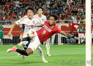 J1浦和、気迫で逆転勝ち 新潟を2―1、阿部得点で鼓舞