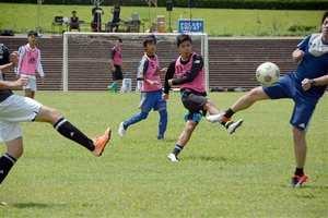 熊本YMCAクラブ設立50周年 サッカー普及に貢献