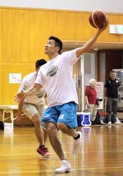Bリーグ京都、新シーズンへ 初の全体練習、新加入の坂東も